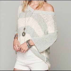 🍁Free People Oversized Vneck Sweater🍁